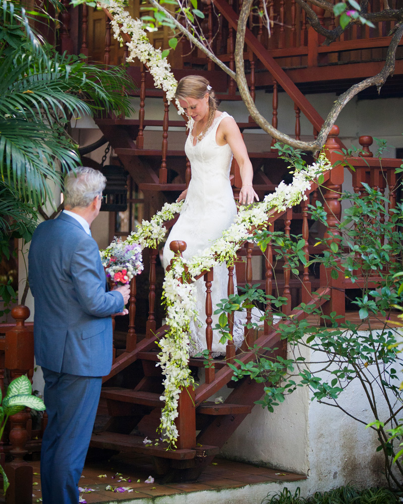 Wedding-at-the-secret-garden-02