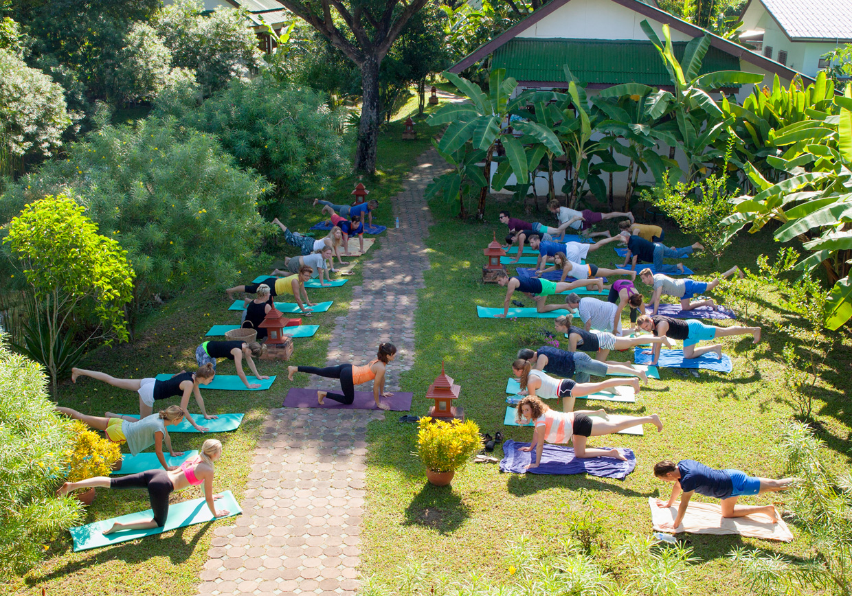 Yoga_at_the_secret_garden